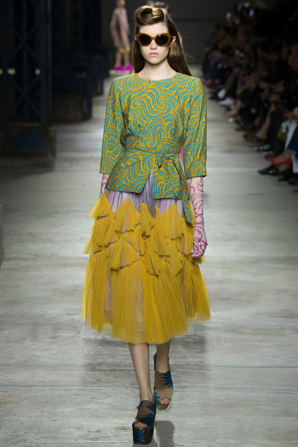 dries_van_noten_ss16_16_paris_fashion_week