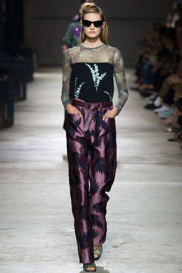 dries_van_noten_ss16_43_paris_fashion_week