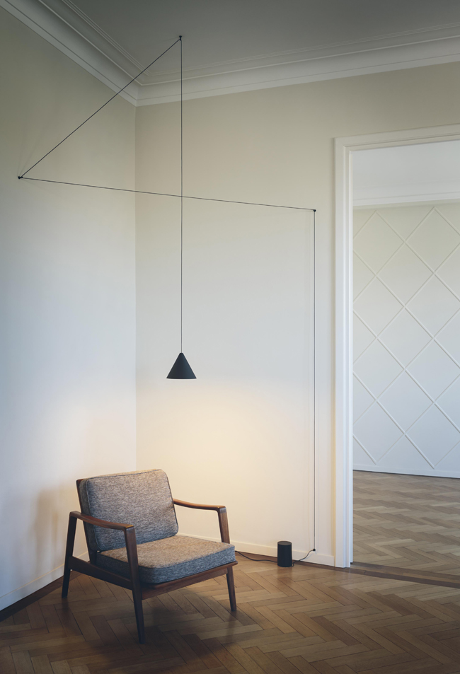 flos_String-Lights_michael-anastassiades_ph