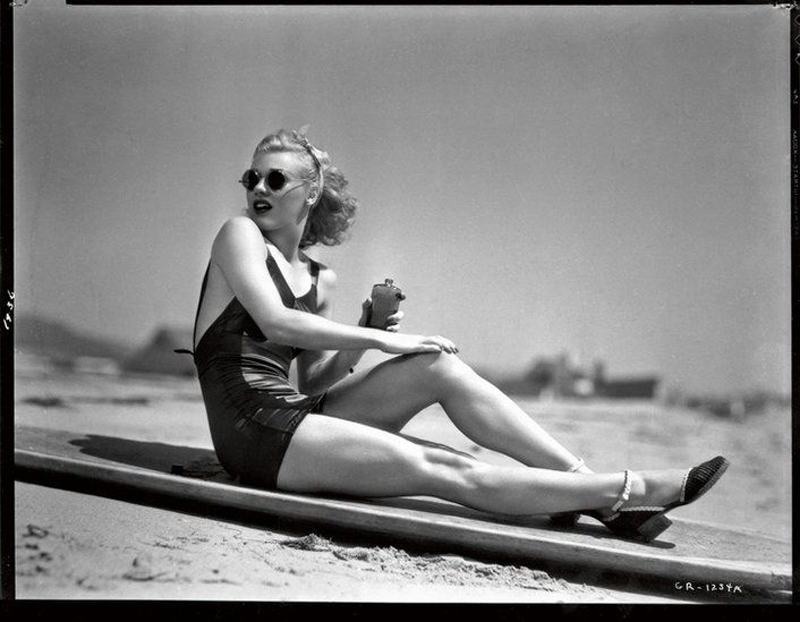 ginger-rogers_1936_memorable-beachwear-images-top10_2