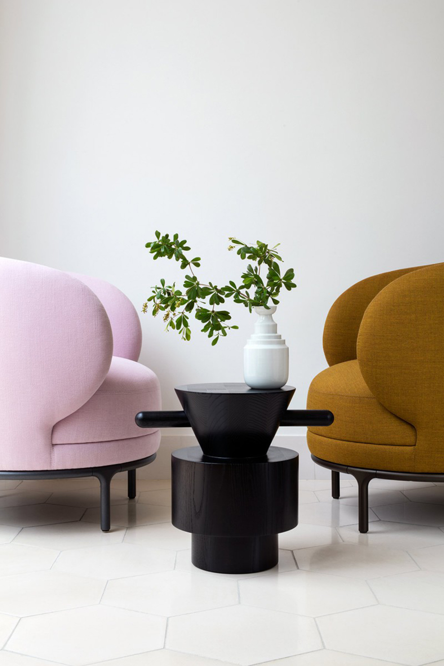 Pink - Vuelta Lounge Chair - Wittmann Hayon Workshop