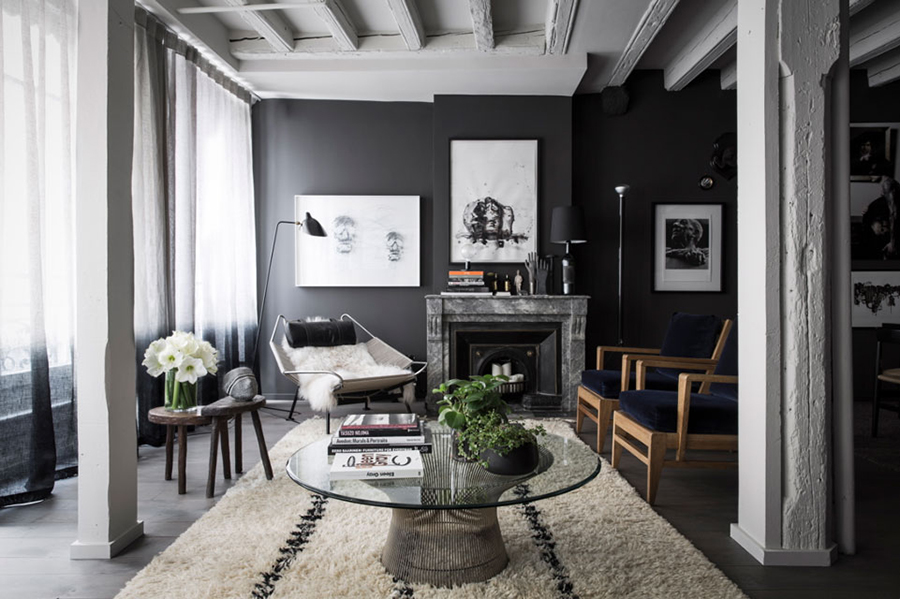 Maison Hand - Black Interior Design