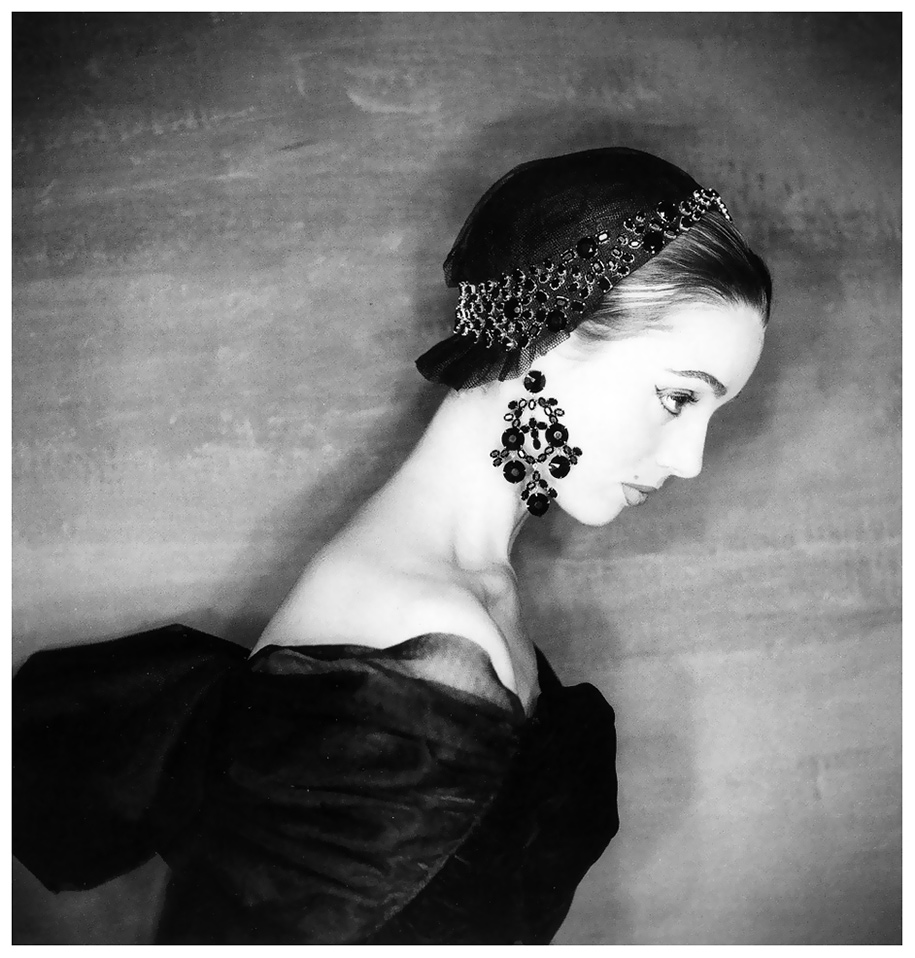 Elsa Martinelli fotografata da Clifford Coffin - Hubert de Givenchy